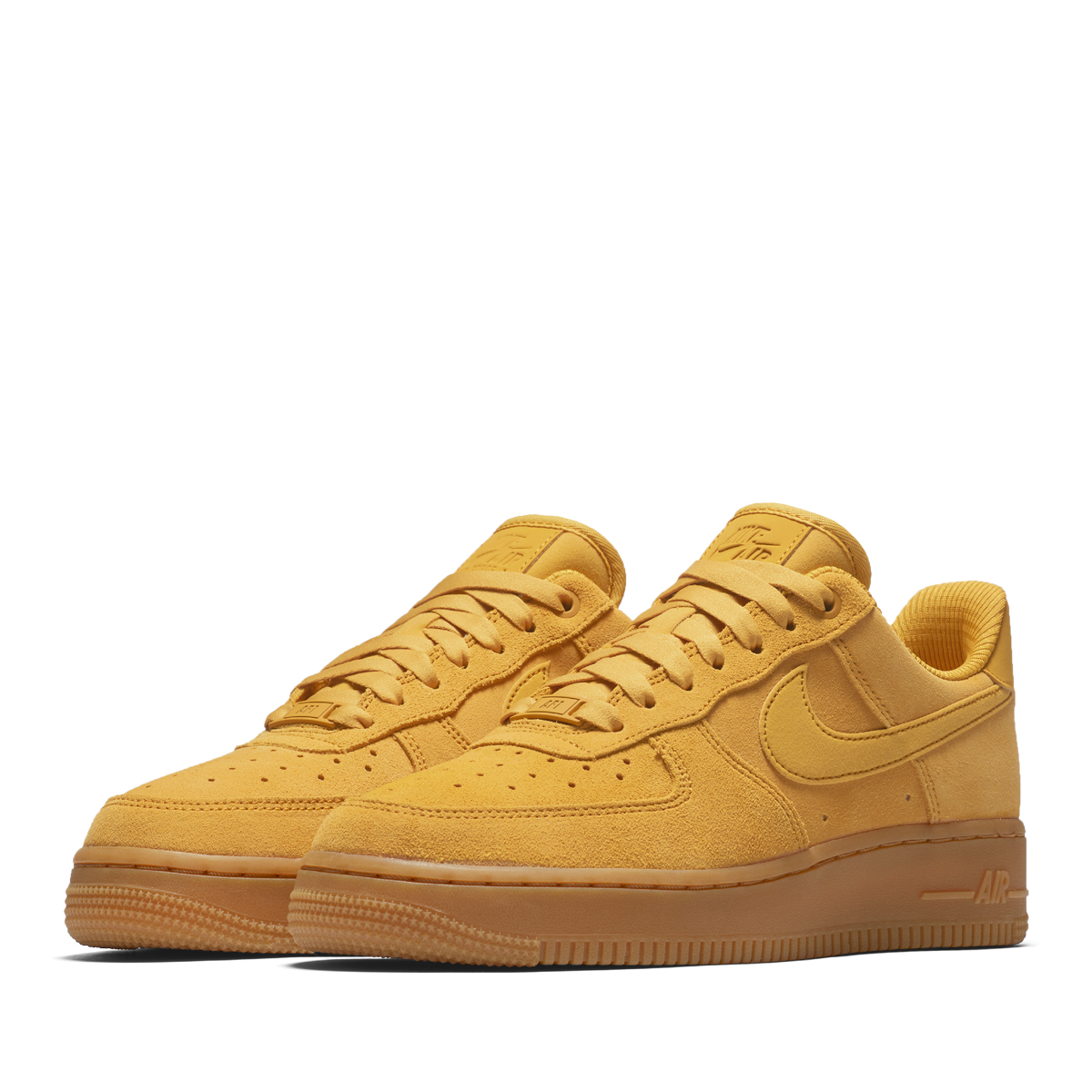 The masterpiece of the Nike basketball released in 1982. The constant  seller model that continues still attracting a fan after time when a  classic ... 7b6a3f42f