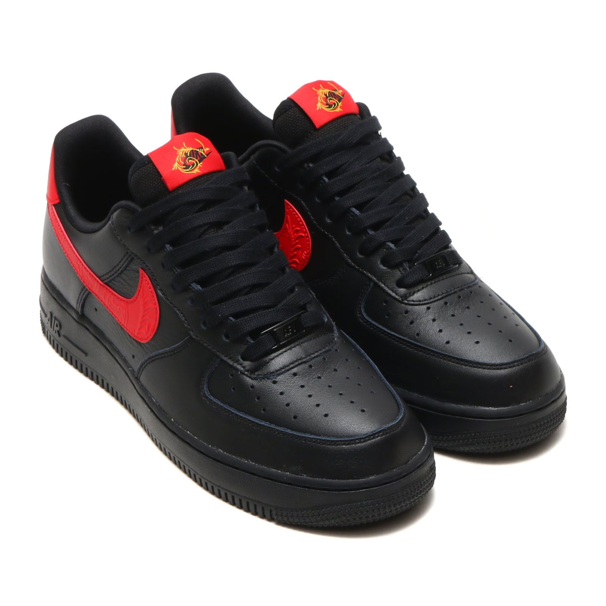 The masterpiece of the Nike basketball released in 1982. The constant  seller model that continues still attracting a fan after time when a  classic ...