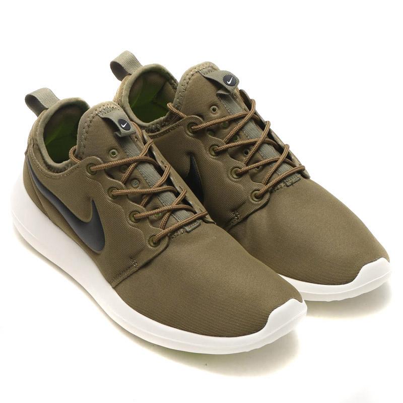 info for dce90 9cc92 AUTHENTIC Nike Roshe 2 Flyknit 365 Triple Black All Black  8