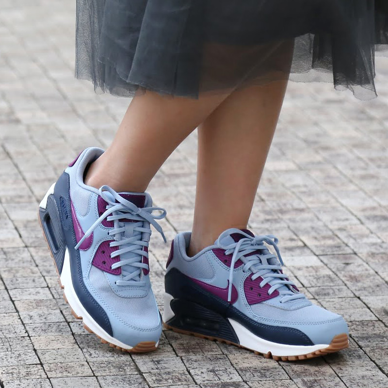 NIKE WMNS AIR MAX 90 ESSENTIAL (Nike women s Air Max 90 essential) BLUE  GREY BRIGHT GRAPE-MIDNIGHT NAVY-SUMMIT WHITE-GUM MED BROWN 16HO-I 4cbd2d00ac