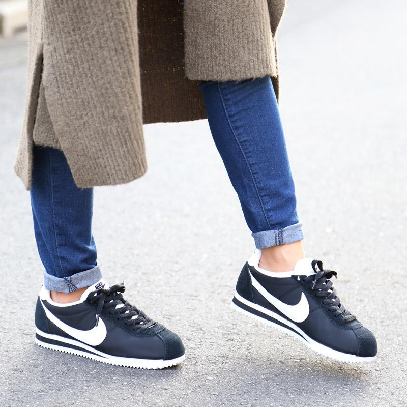 outlet store 2bda4 c8bb5 NIKE WMNS CLASSIC CORTEZ NYLON (Nike womens classic Cortez nylon) BLACK WHITE 16HO-I