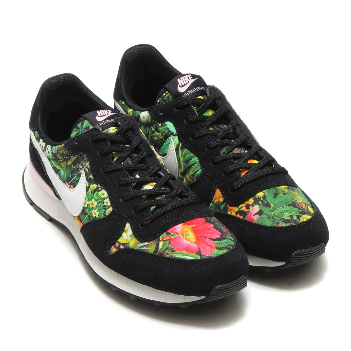 nike internationalist trainers black summit white prism pink