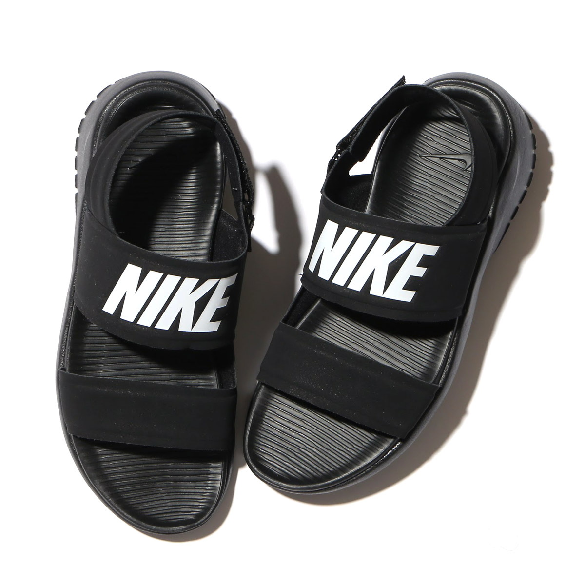ec3c15bdc4ee3 NIKE WMNS TANJUN SANDAL (Nike women tongue Jun sandals) BLACK WHITE-BLACK  17SU-I