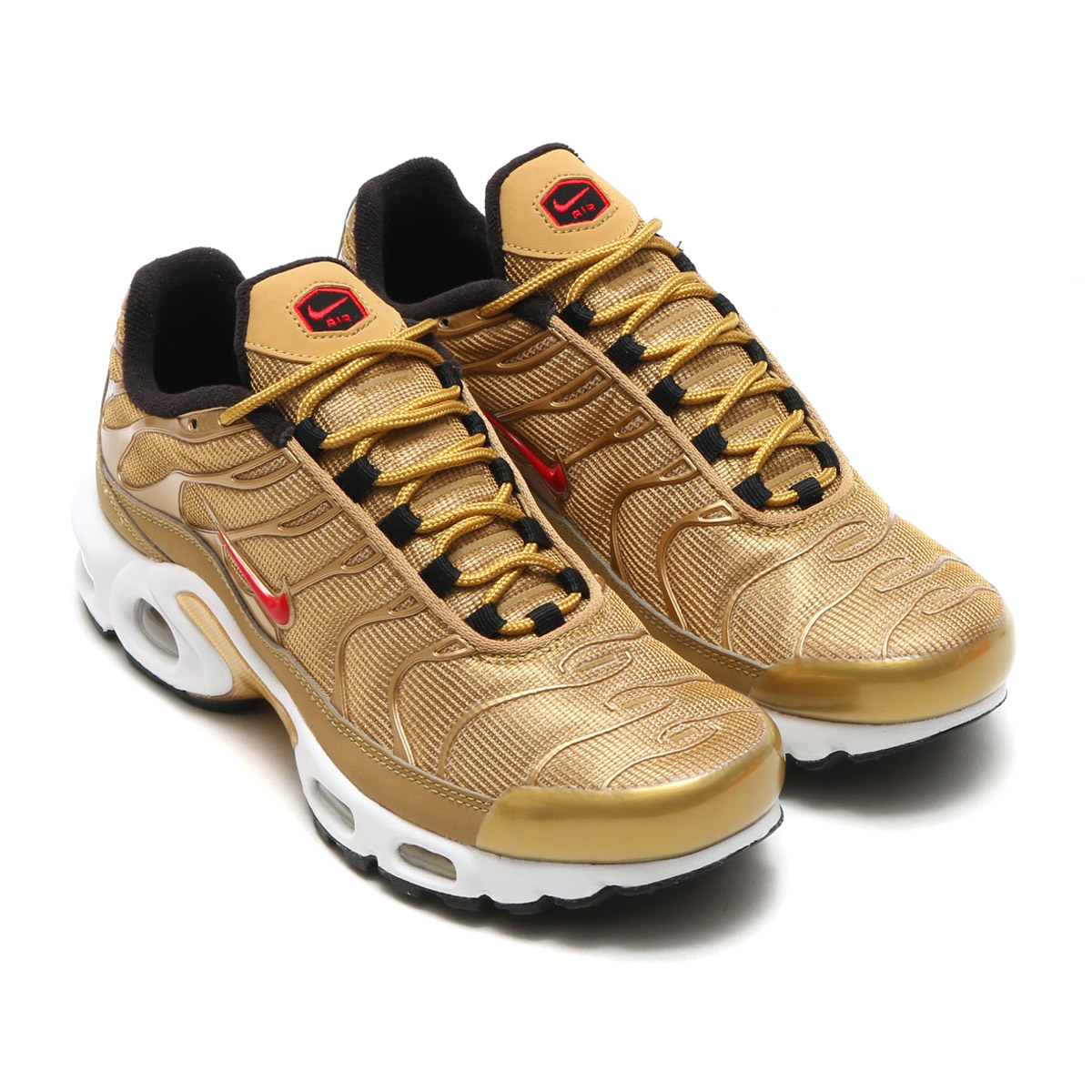 NIKE WMNS AIR MAX PLUS QS (나이키 womens 에어 막스 플러스 QS) (METALLIC GOLD/UNIVERSITY RED) 17 SU-S
