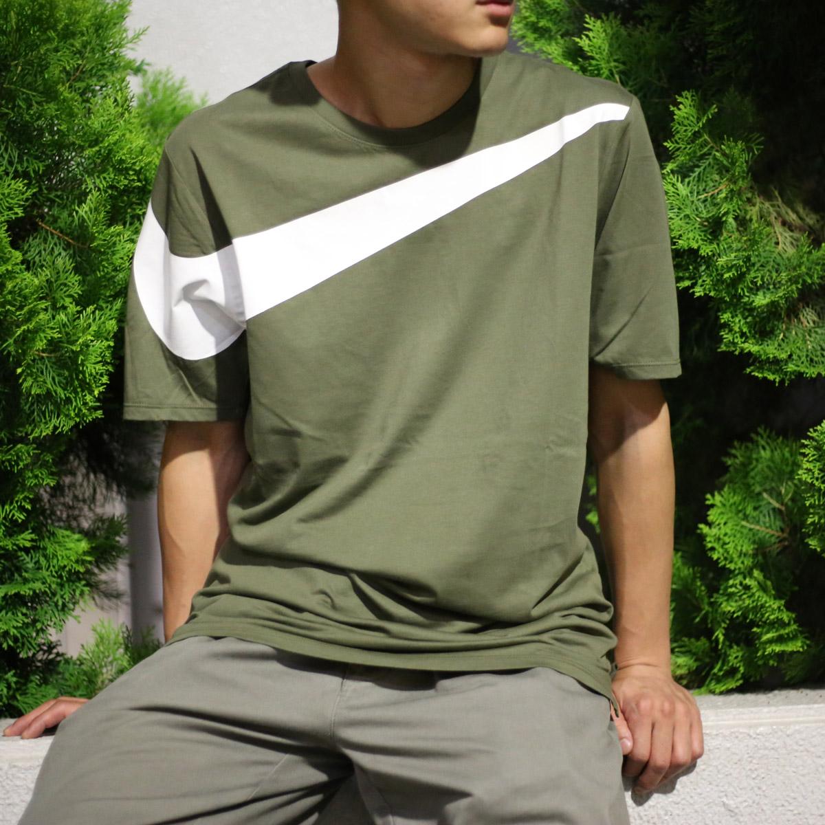 NIKE AS M NSW TEE DRPTL OVRSZ SWSH (ナイキドロップテールオーバーサイズスウッシュ T-shirt) MEDIUM  OLIVE/WHITE 17FA-I