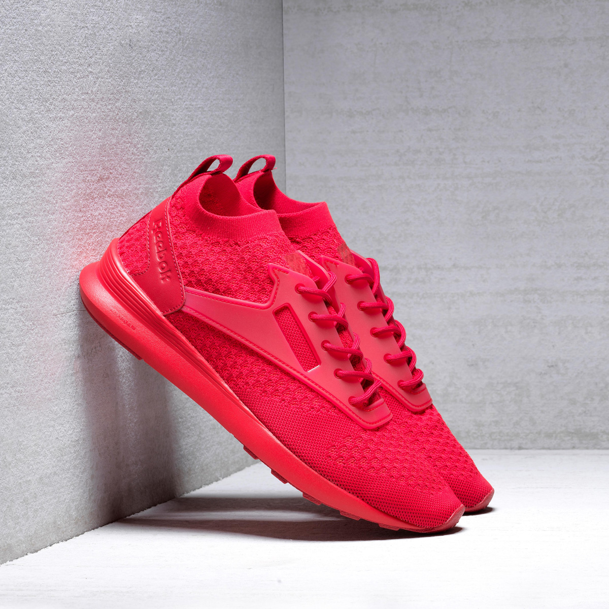 Atmos Pink Reebok Zoku Runner Ultk Is
