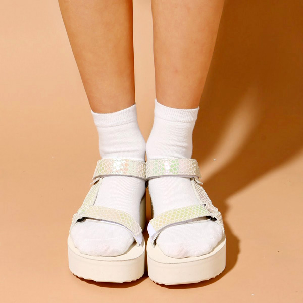 0b118cd941a Most popular Original Universal evolution platform sandals. Adjustable  straps to hold firmly and the Original universal comfort heel is  high-impact