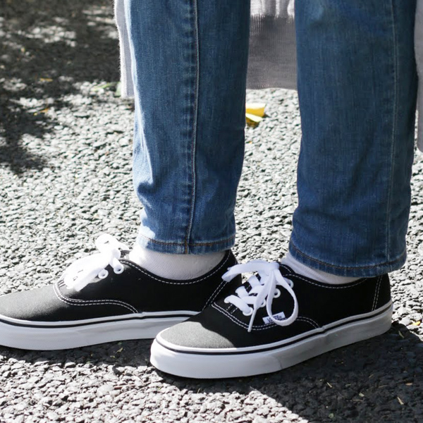black authentic vans