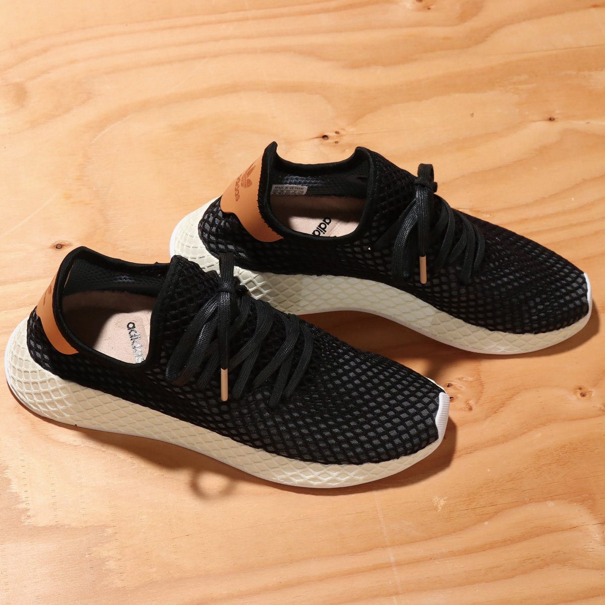 adidas Originals DEERUPT RUNNER(アディダス オリジナルス ディラプトランナー)CORE BLACK/CORE BLACK/ASH PEARL【メンズ スニーカー】18FW-I
