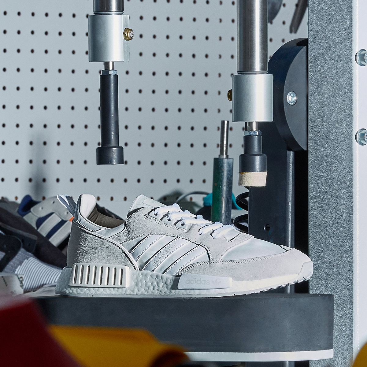 adidas Originals BOSTON_R1 (アディダスオリジナルス ボストン_R1) RUNNING WHITE / CLOUD WHITE / GREY【メンズ スニーカー】18FW-S