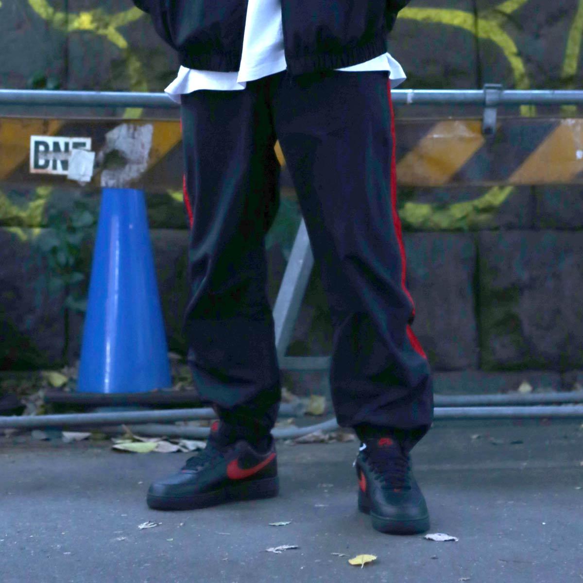 見事な ATMOS LAB ライン NYLON LAB TRACK LINE トラック PANTS (アトモスラボ ナイロン トラック ライン パンツ) BLACK/RED【メンズ ナイロンパンツ】17HO-I, 香春町:3873511a --- construart30.dominiotemporario.com