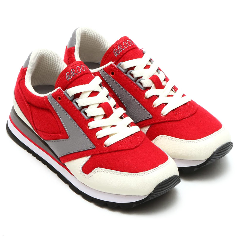BROOKS WOMEN CHARIOT(ブルックス ウィメン チャリオット)CREAM/TRUE RED/STORM GREY15FW-I
