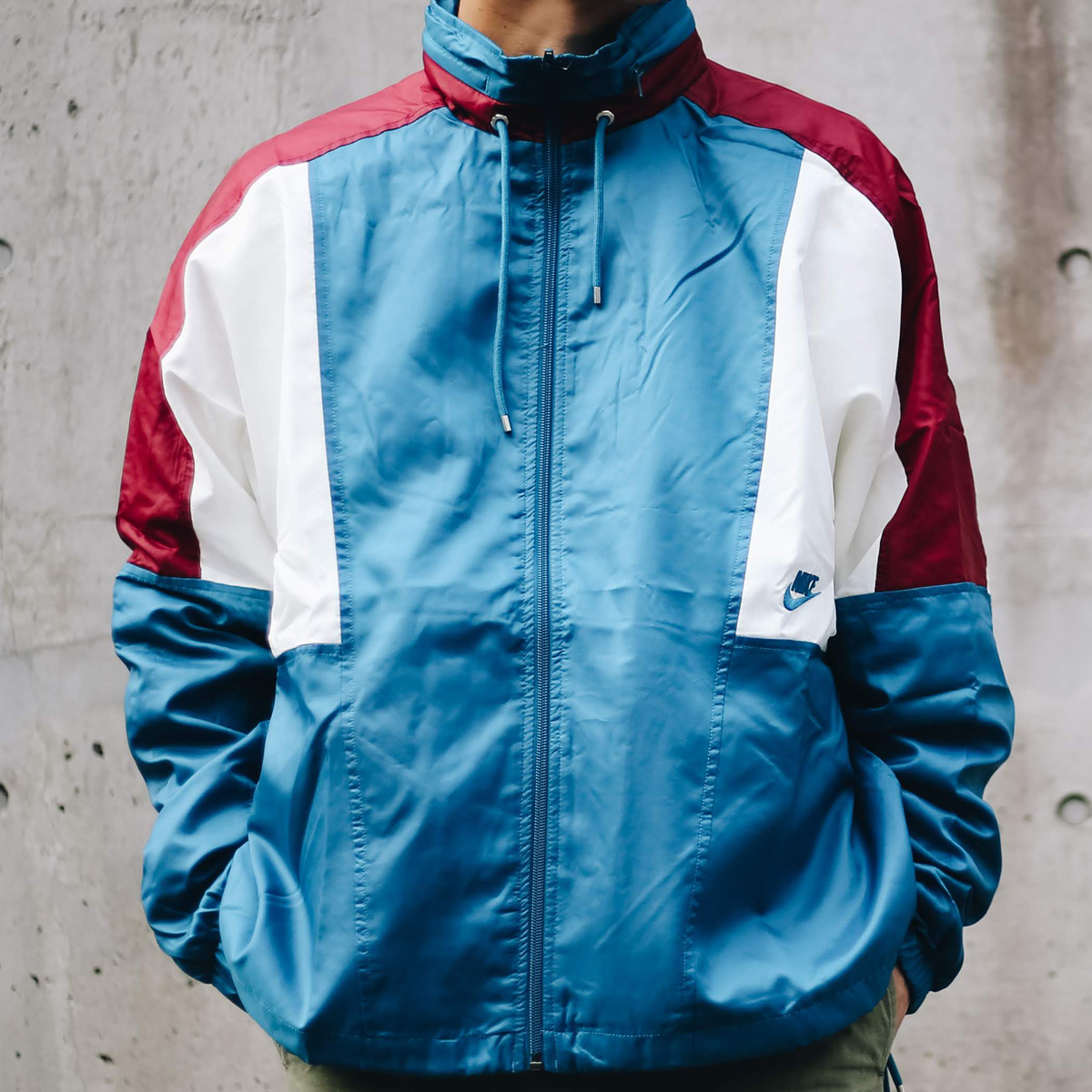 NIKE AS M NSW RE-ISSUE JKT WVN(ナイキ リ イシュー ウーブン ジャケット)GREEN ABYSS/TEAM RED/SAIL/GREEN ABYSS【メンズ ジャケット】18HO-I