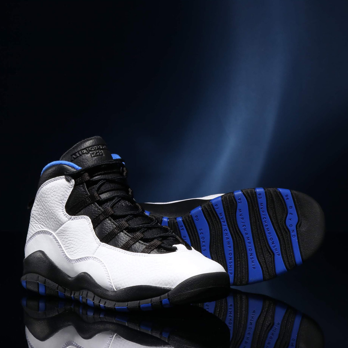 NIKE AIR JORDAN 10 RETRO (GS)ナイキ エア ジョーダン 10 レトロ GS)WHITE/BLACK-ROYAL BLUE-METALLIC SILVER【キッズ スニーカー】18HO-I