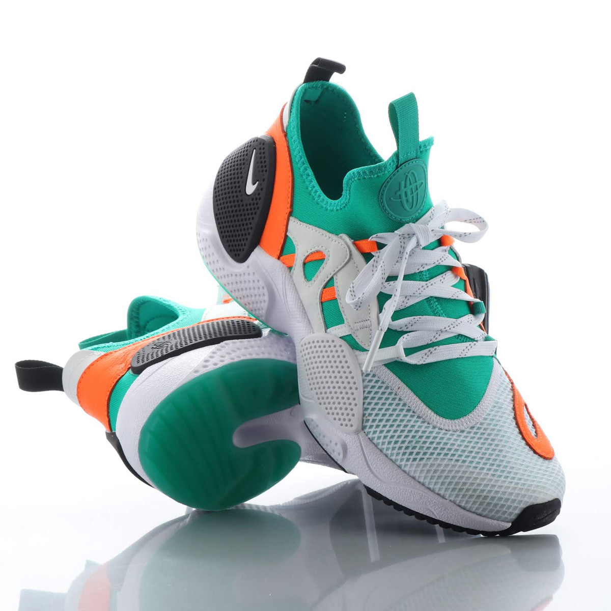 NIKE HUARACHE E.D.G.E. TXT QS (ナイキ ハラチ E.D.G.E. TXT QS) WHITE/WHITE-CLEAR EMERALD-TOTAL ORANGE【メンズ スニーカー】18HO-S