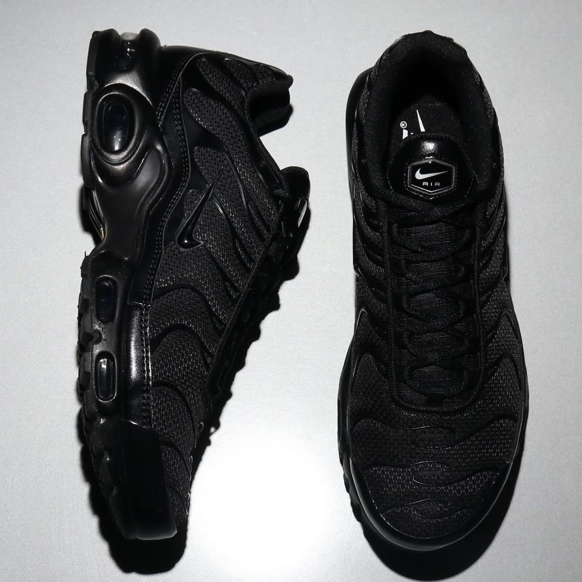 NIKE AIR MAX PLUS(ナイキ エア マックス プラス)BLACK/BLACK-BLACK【メンズ レディース スニーカー】19HO-I