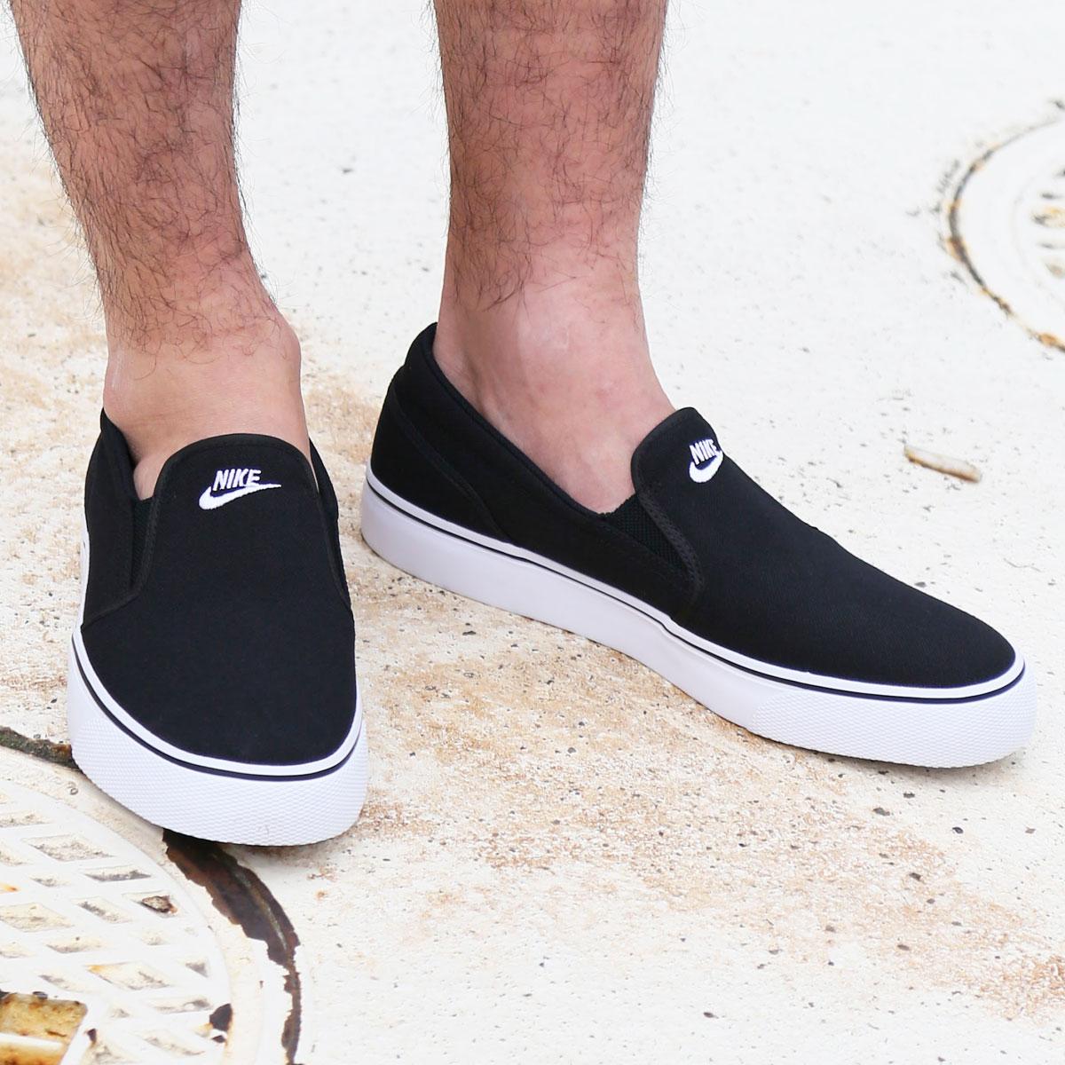 d821067887e6 NIKE WMNS TOKI SLIP CANVAS (Nike women Toki slip canvas) BLACK WHITE CRYOVR