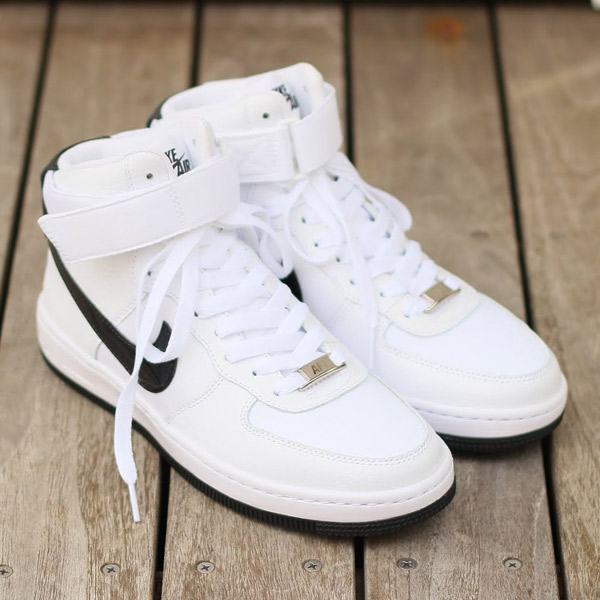 NIKE WMNS AIR FORCE 1 ULTRA FORCE MID (Nike women's air force in force 1  ultra mid) WHITE/BLACK-WHITE 15SP-S