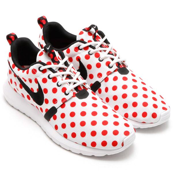 NIKE ROSHE NM QS (Nike Ros NM QS) whiteBLCCTION RED 15SU S