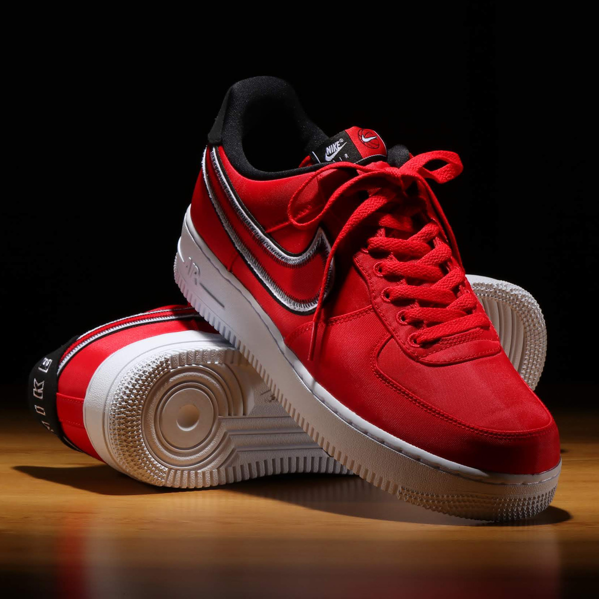 NIKE AIR FORCE 1 '07 LV8 1(ナイキ エア フォース 1 '07 LV8 1)UNIVERSITY RED/BLACK-WHITE【メンズ スニーカー】20SP-I