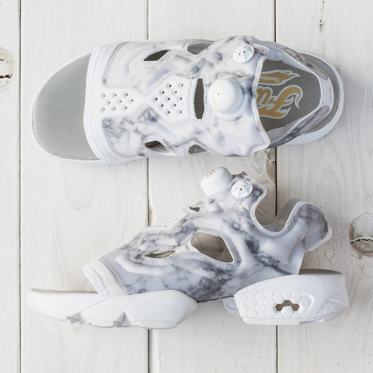 Reebok INSTAPUMP FURY SANDAL (リーボック インスタ ポンプフューリー サンダル)STEEL/WHITE/WHITE/GOLDMETALLIC【レディース スニーカー】18SS-S