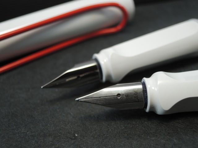 An LAMY Lamy safari fountain pen-limited color: White X red clip 05P11Jan14