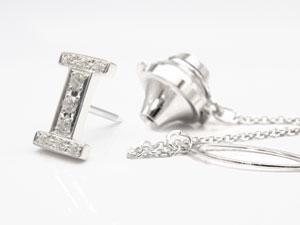 プラチナピンブローチ ダイヤモンド ラペルピン イニシャルブローチ I ダイヤ 0.10ct 人気ブローチ タックピン 送料無料