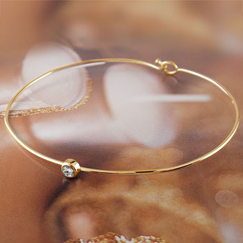 メンズ ダイヤモンド ブレスレット 一粒 イエローゴールドk18 バングル 18金 4月誕生石ダイヤ 男性用 贈り物 誕生日プレゼント ギフト ファッション
