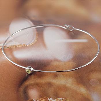 メンズ ペリドット ブレスレット 一粒 ホワイトゴールドk18 バングル 18金 8月誕生石 男性用 贈り物 誕生日プレゼント ギフト ファッション