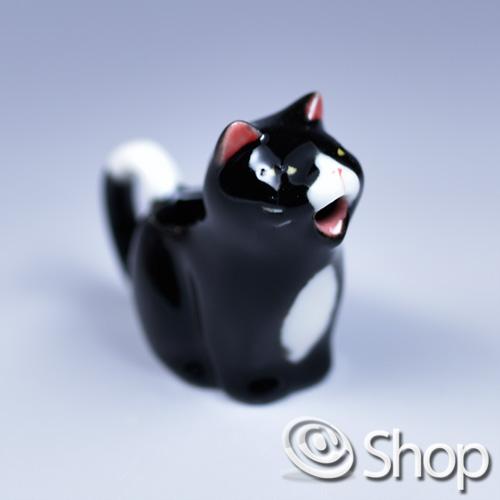 毎日続々入荷 可愛い猫が口からミルクを吐き出す ネコのミルクポット 即納 クロ