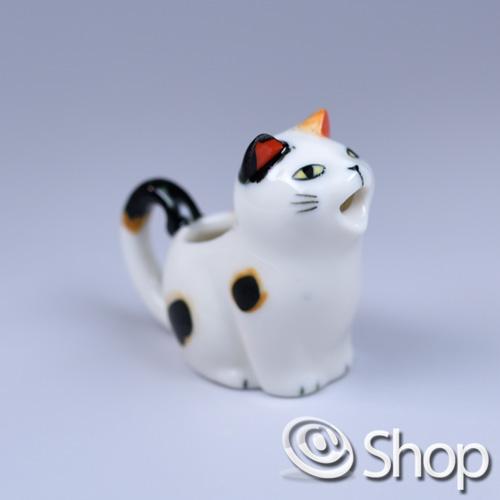可愛い猫が口からミルクを吐き出す オンライン限定商品 ネコのミルクポット ミケ 高額売筋
