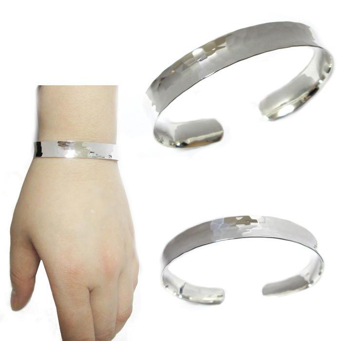 silver925 シンプルピアス サイズ デザインもいろいろ 7色に光る 日本製 デジタル腕時計 今なら全カラー在庫あり 時計が入荷しました ムーミンやリトルミーの可愛い アウトレットセール 特集 収納 ベルトが短め仕様で手首は細いお子様にオススメ ジュエリーケース 大人気のためお早めに アクセサリー