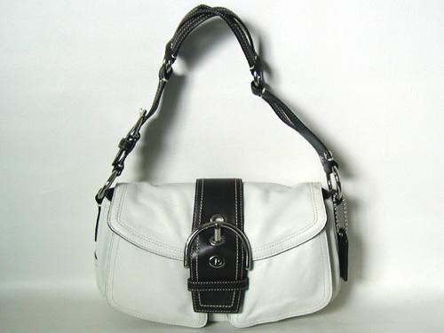 COACH コーチ ショルダーバッグ 【本物】 白レザーの可愛くて使い易い バッグ 【中古】