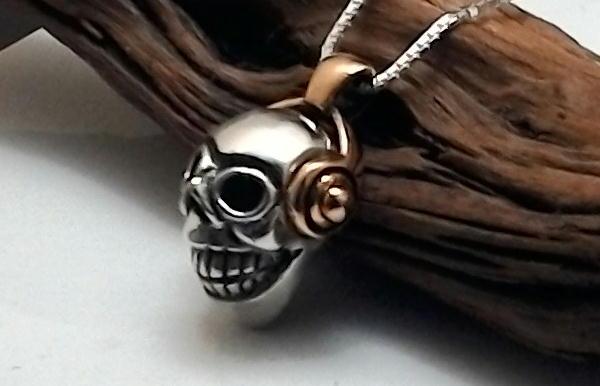 メンズネックレス スカル(骸骨)金ヘッドホン シルバーネックレス がいこつ ペンダント ネックレス