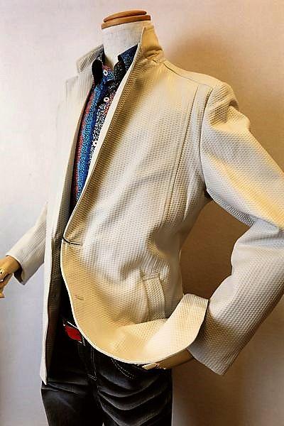 【セール35%OFF】 バラシ barassi 【レザージャケット】【2018秋冬新作】【メンズウェア】【アウター】【羊革】【バラシ服】 鱗模様調柄レザージャケット オフホワイト
