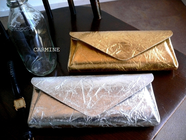 ノベルティ&レザークリームプレゼント carmine カーマイン 箔押し METALLIC メタリック レザー ロングウォレット 長財布 LWMT シルバー/ゴールド