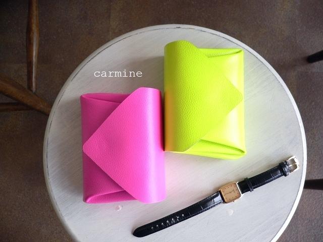 レザークリームプレゼント carmine カーマイン ビビッド ネオン レザー ミニウォレット 折り財布 VMW イエロー/ピンク