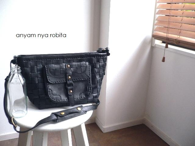 最終入荷 レザークリームプレゼント robita ロビタ anyam nya robita フラップポケット ショルダーバッグ AN-218 ブラック, 匠工房ホープ:cf9b50a5 --- genx.jp