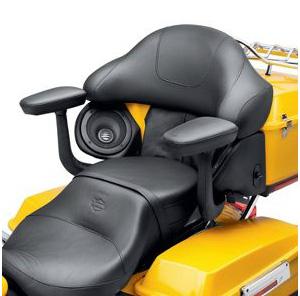 【52400074】 ツアーパック・パッセンジャーアームレスト :2009~13年ツーリングモデルでハードツアーパック・ラゲッジ装着車(CVOは除く)
