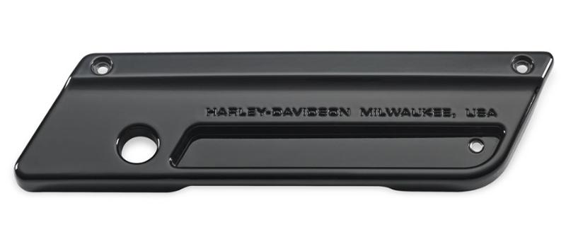 【90853-06dh】 サドルバッグラッチプレート ビビッドブラック 右側 ハーレー純正パーツ