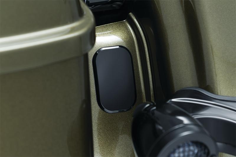 ハーレーカスタムパーツ オーディオ 3109- 3109 アンテナホール 2010年以降ロードグライドモデルに適合 受賞店 但しCVOは除く グロスブラック 限定モデル フィラーキャップ:2006年以降ストリートグライド