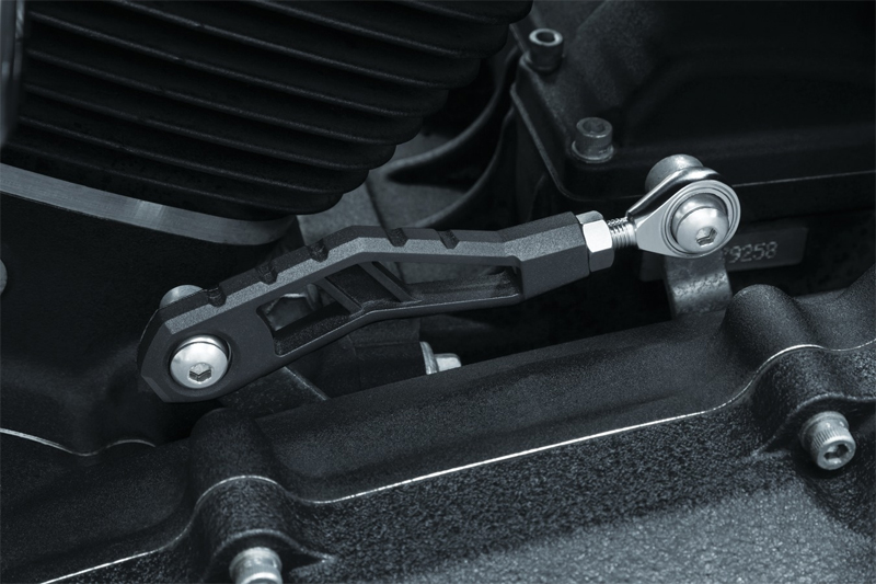 【3571】 RIOT シフターリンケージ:2006~17年ダイナモデルでミッドコントロール車に適合/サテンブラック