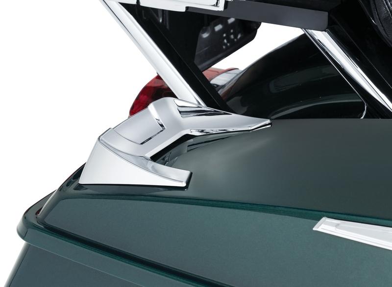 【7066】 SPEEDFORM サドルバッグリッド スポイラー:2014年以降ツーリングモデルでハードサドルバッグ装着車に適合/クローム