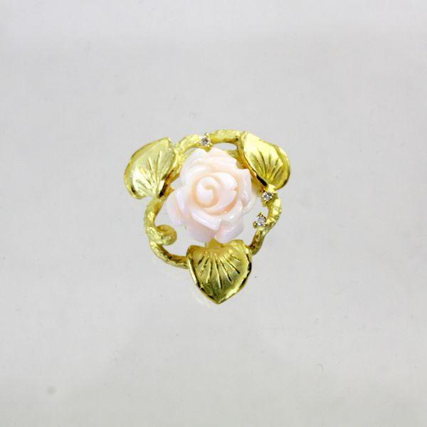 【中古】 18金 薔薇彫サンゴ ダイヤ ブローチ兼ペンダント