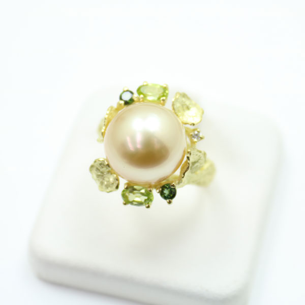 真珠 指輪 パール リング 南洋白蝶真珠 指輪 リング 12mm-13mm ナチュラルゴールドカラー デザイン K18 ダイヤ ゴージャス 豪華 パーティー
