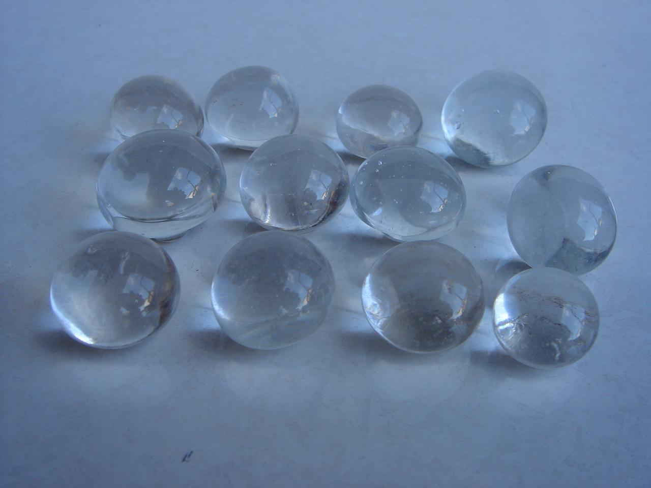 処分品 ガーデニング用 楕円形の綺麗なガラス玉 幅2~2.5cm 40個セット 安売り 絶品