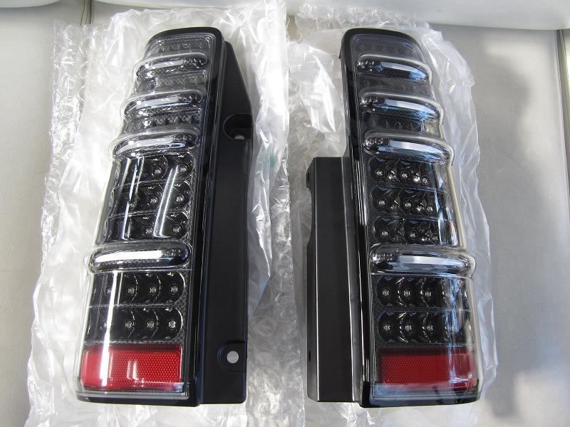 エムブロ ジムニー JB23W LEDテールランプ カーボン調 コーリン JB23W