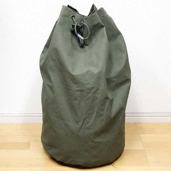5a5727d0adc Real thing French military large size duffel bag reinforcement nylon  material ♪ As a bottom is flat in a circle, by a big bag to fasten with a  string, ...