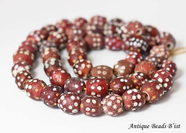 【1805】ANTQヴェネチア赤色スカンクビーズ一連【とんぼ玉】【アンティークビーズ】【ビーズ】【【beads】パーツ】【送料無料】【骨董】【antiquebeads】【ガラスビーズ】【トレードビーズ】