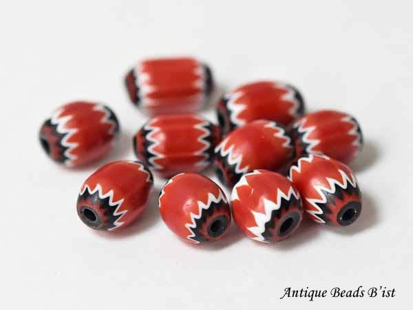 【1808】Vintageレッド5層シェブロン小玉10個セットS1【とんぼ玉】【アンティークビーズ】【ビーズ】【パーツ】【手芸】【インディアンジュエリー】【antiquebeads】【beads】【送料無料】